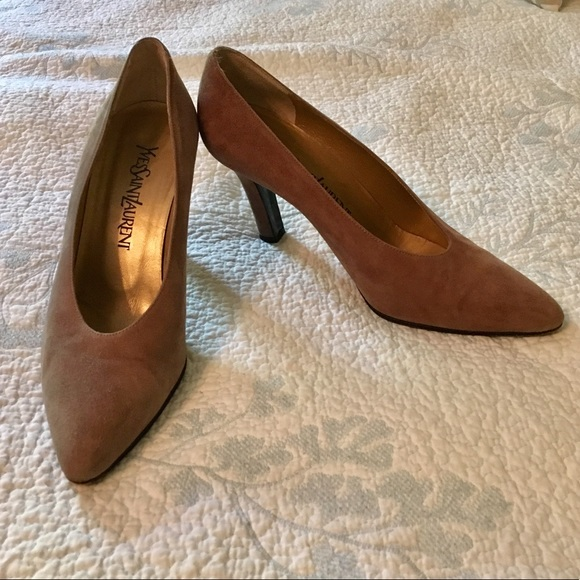 07d6ab281 M_5b81a8e90945e020a46dc26a. Other Shoes you may like. Yves Saint Laurent  Vintage Pumps